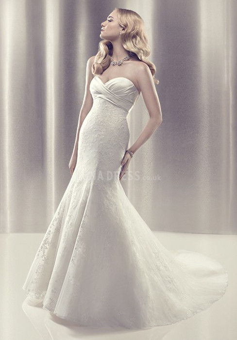 elegant-lace-floor-length-sweetheart-mermaid-sleeveless-wedding-gown_1403060033